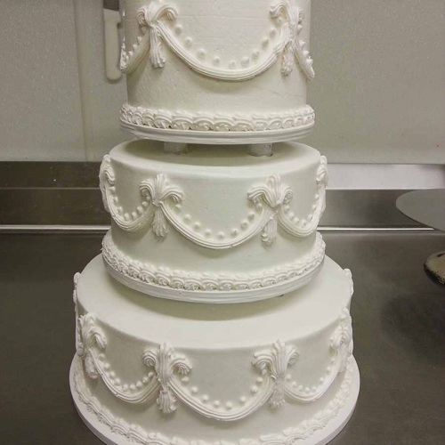 Having A Wedding Or Party? Our Talented Cake Designers Can Custom Design  Cakes Of Such Beauty That It Would A Shame To Slice Upu2026.if The Cake Wasnu0027t  So ...